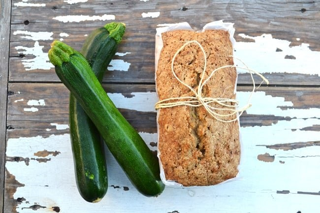 Best Ever Zucchini Bread {A Pretty Life}