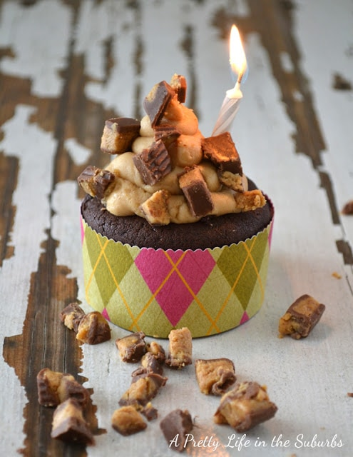Peanut Butter Cream Filled Chocolate Cupcakes