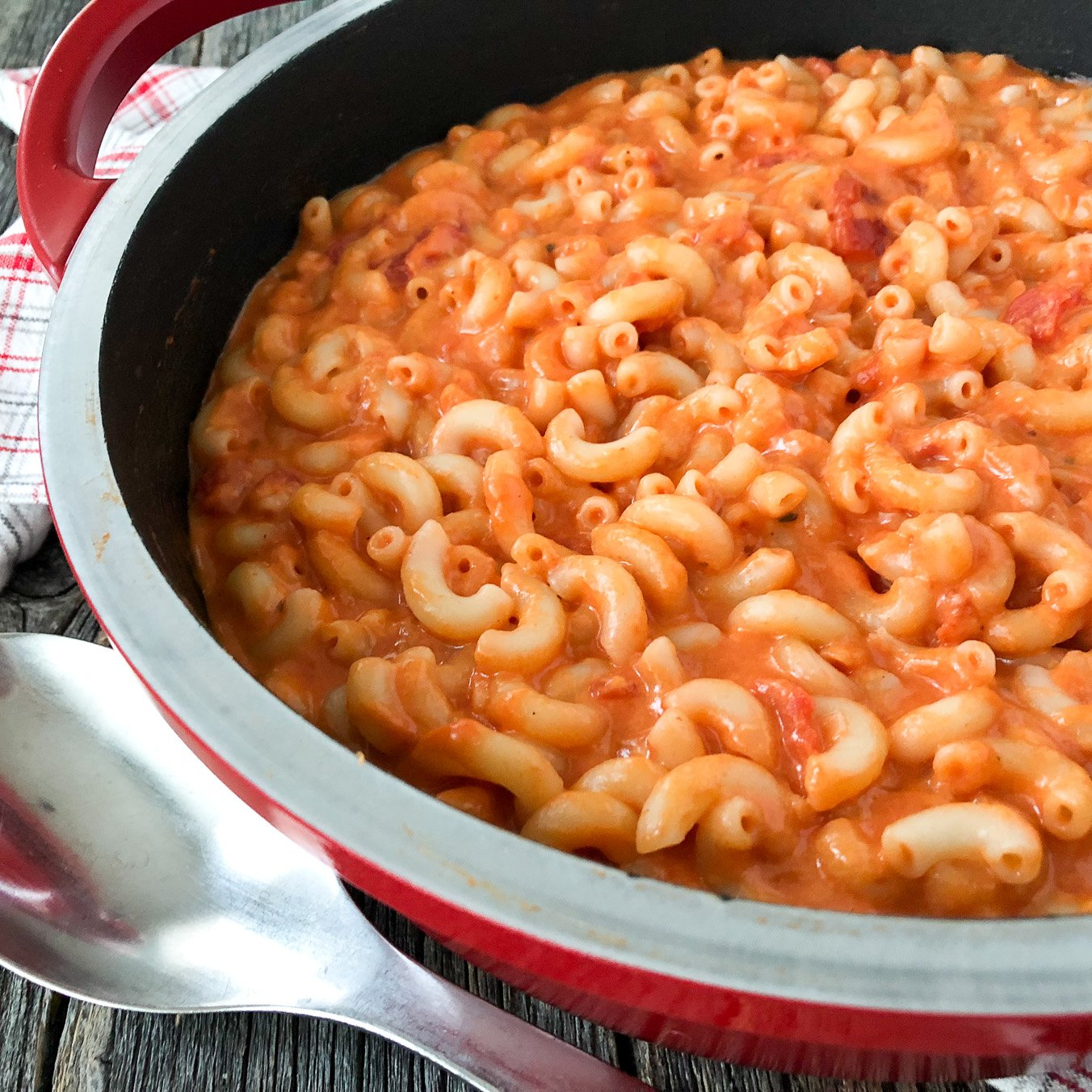 Creamy Tomato Macaroni and Cheese
