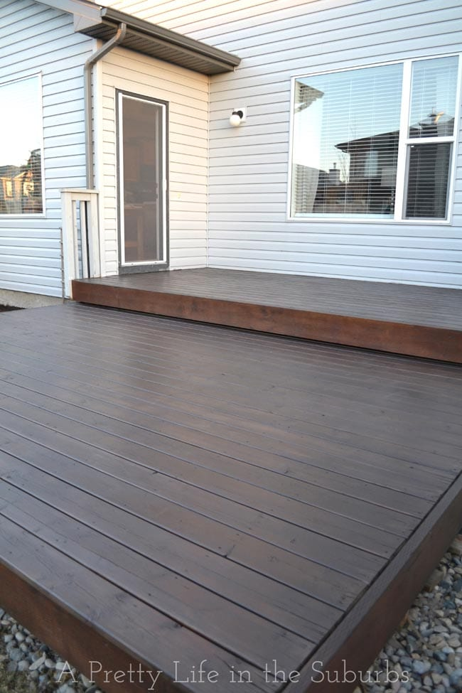 Deck Stain 1 {A Pretty Life}
