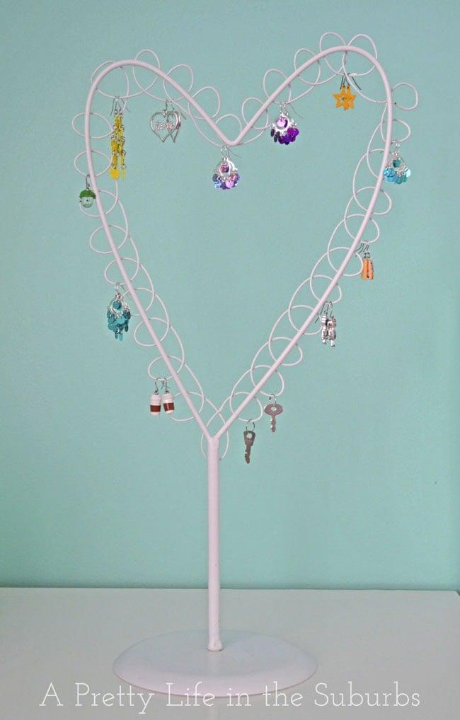 Earrings Holder {A Pretty Life}