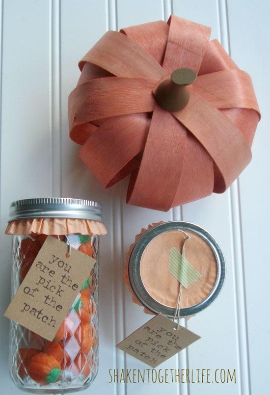 Mason-jar-gift-with-pumpkin-candy-at-shakentogetherlife.com_-700x1024