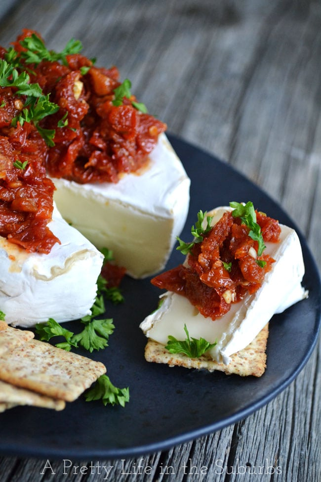 Brie-with-Sundried-Tomatoes-{A-Pretty-Life}
