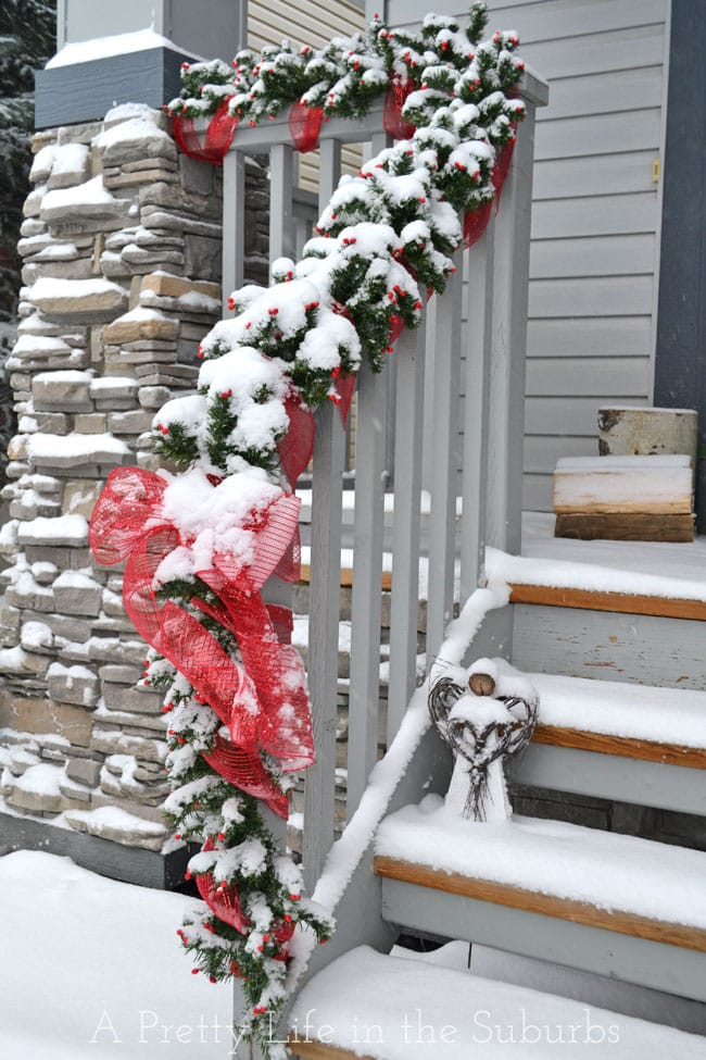 Christmas-Porch-2{A-Pretty-Life}