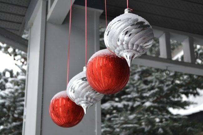 Christmas-Porch-6{A-Pretty-Life}