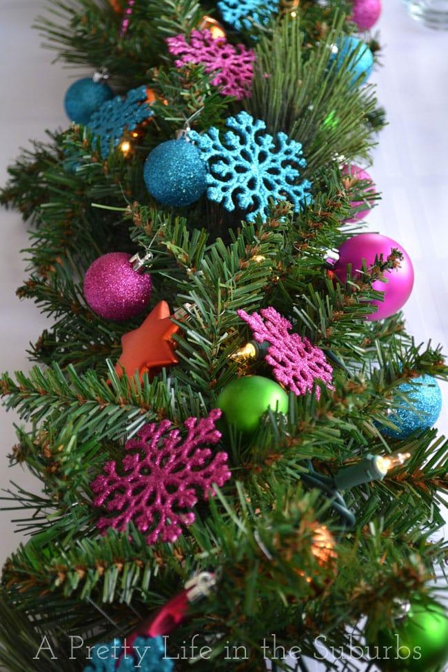 Colourful-Christmas-Table-Setting-11{A-Pretty-Life}