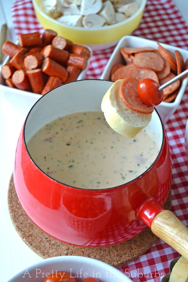 Easy-Pizza-Fondue-2{A-Pretty-Life}