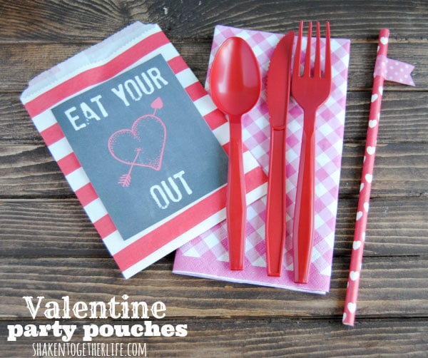 eat-your-heart-out-Valentine-party-pouches