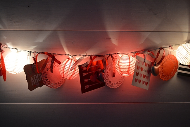 diy-valentines-light-garland-2