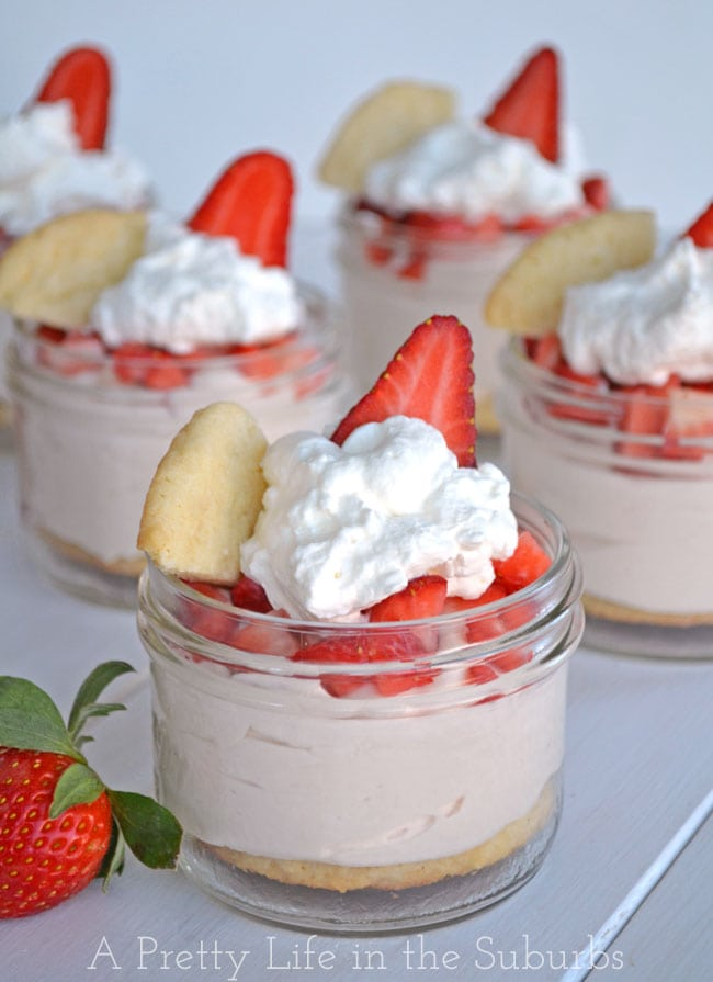 Stawberry-Sugar-Cookie-Parfaits-{A-Pretty-Life}