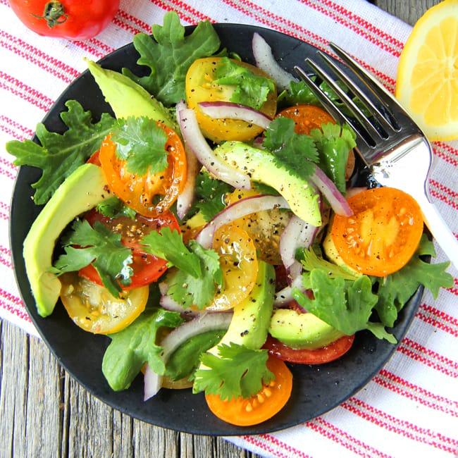 Avocado, Tomato, Kale & Onion Salad {A Pretty Life} FB