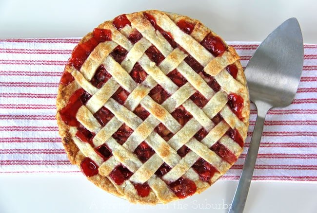 Strawberry-Rhubarb-Pie-2{A-Pretty-Life}