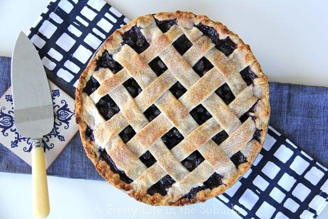 Blueberry Pie {A Pretty Life}
