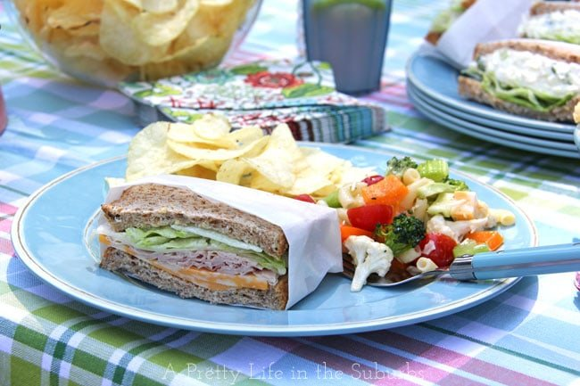 Tips for an easy summer picnic!