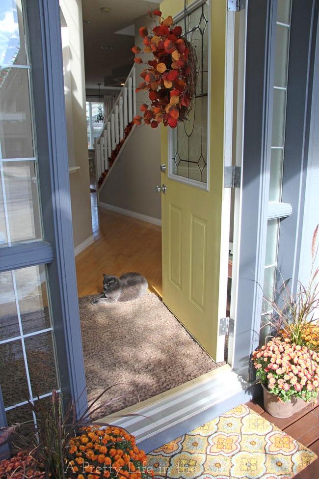 Fall-Porch-4{A-Pretty-Life}