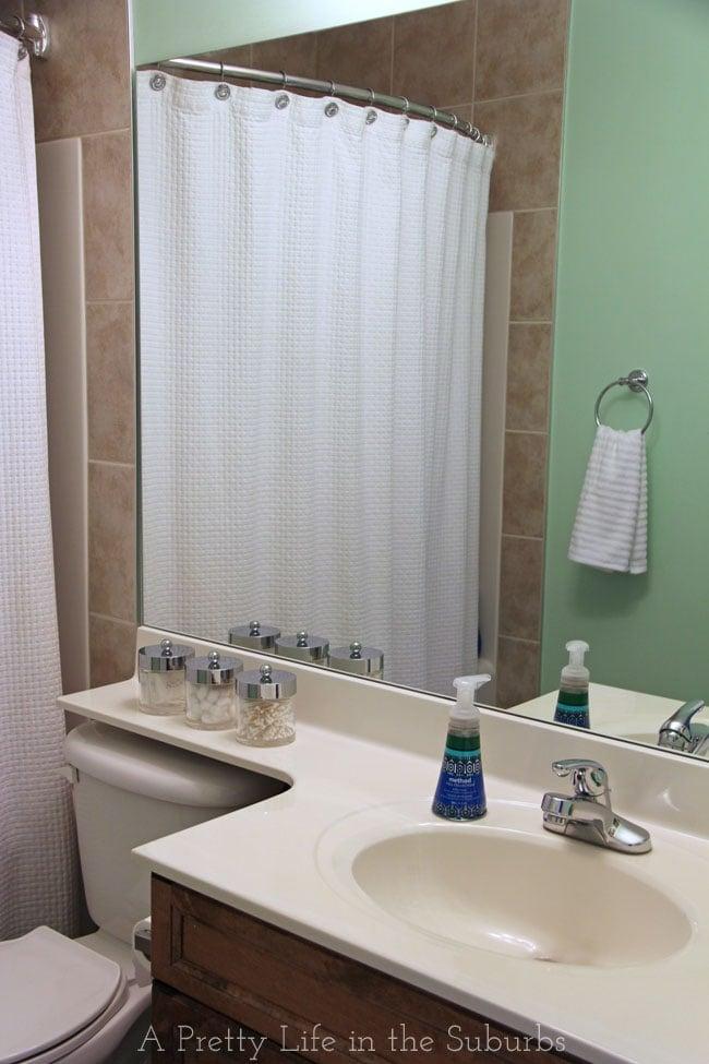 Budget Friendly Kids Bathroom Makeover {A Pretty Life}