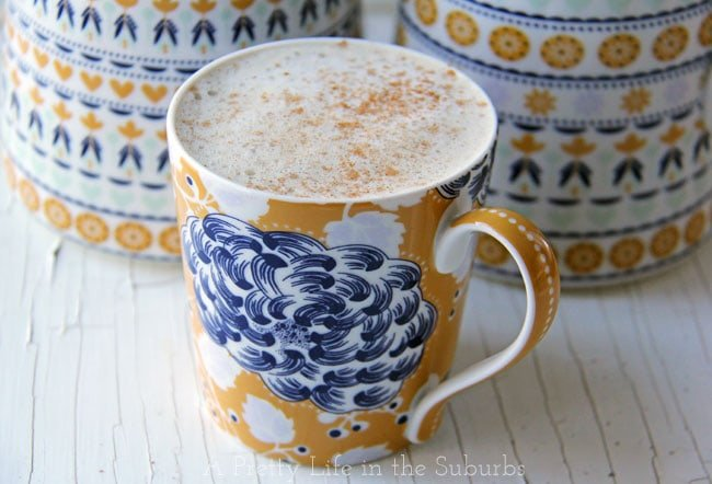 Homemade Eggnog Latte //  Make it at home with your regular coffee machine, no espresso machine necessary!