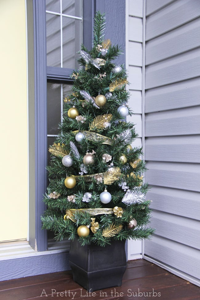 Silver-and-Gold-Christmas-Porch-3{A-Pretty-Life}