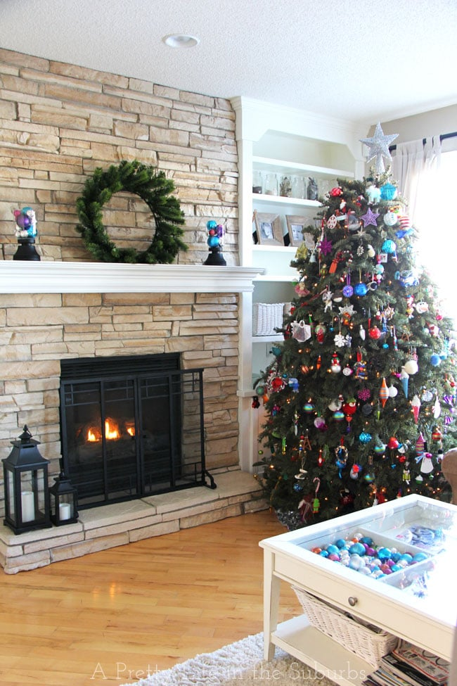 Merry & Bright Christmas Home Tour {A Pretty Life}