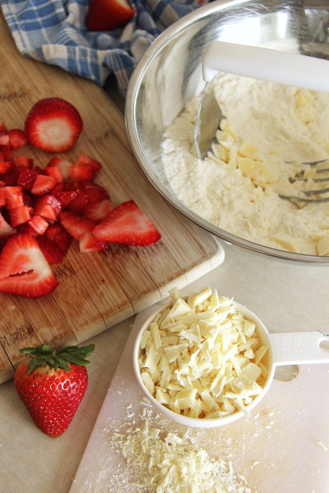 Strawberry and White Chocolate Scones 2{A Pretty Life}