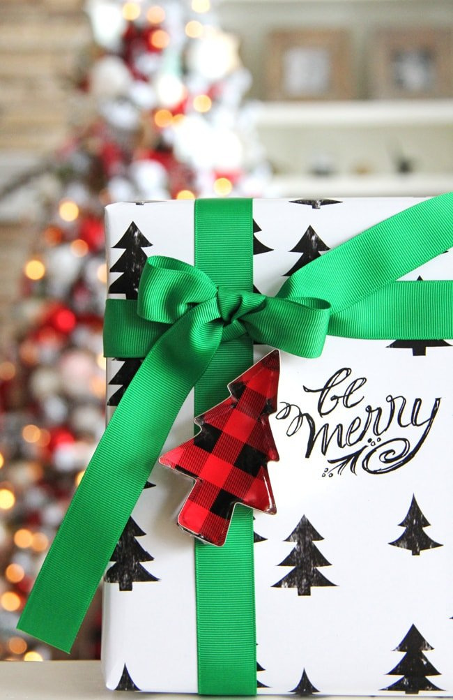 Traditional and Festive Gift Wrapping Ideas 8