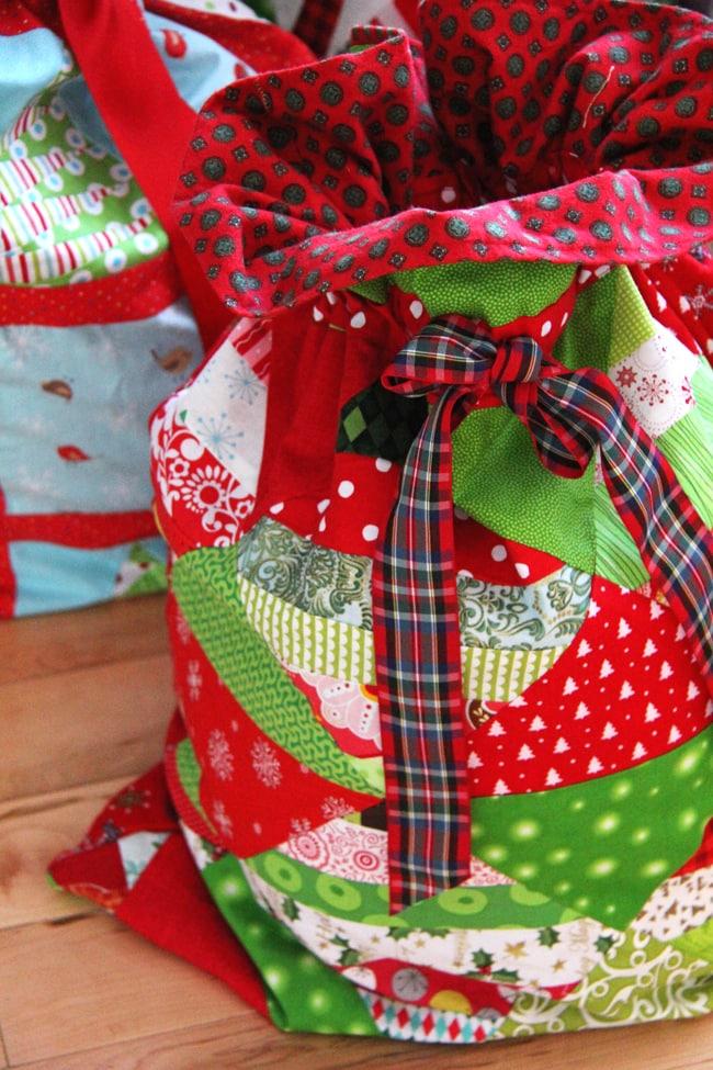 Christmas Wrapping Bags 6