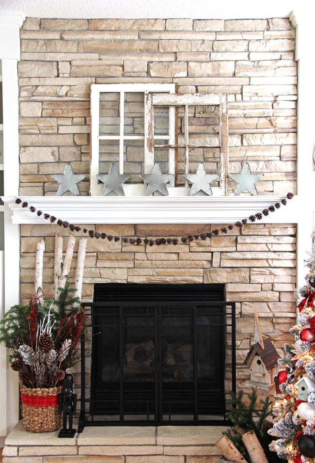 Simple and pretty Christmas Mantel