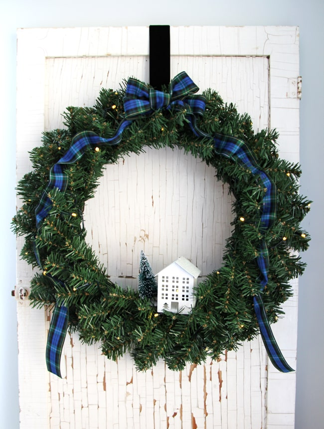 Simple Evergreen Christmas Wreath {A Pretty Life}