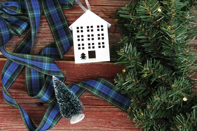 Simple Evergreen Christmas Wreath 6a {A Pretty Life}