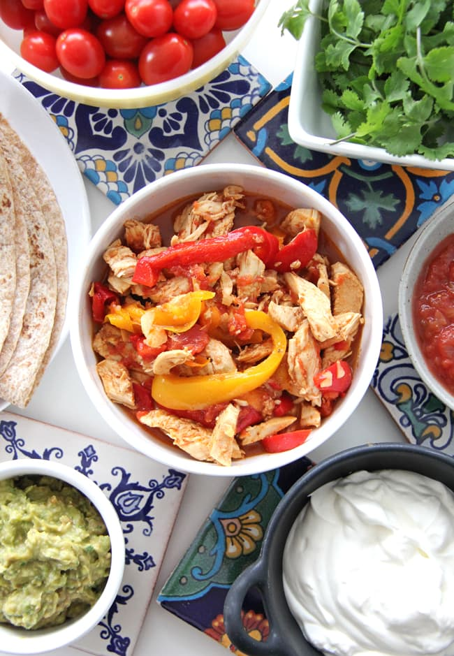 Slow Cooker / Crockpot Chicken Fajitas {A Pretty Life}