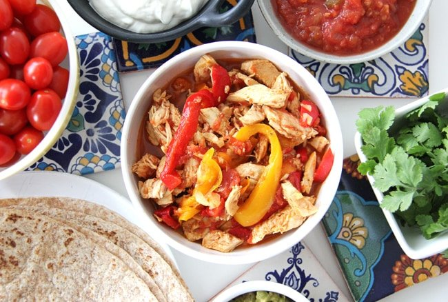 Crockpot Chicken Fajitas  {A Pretty Life}2