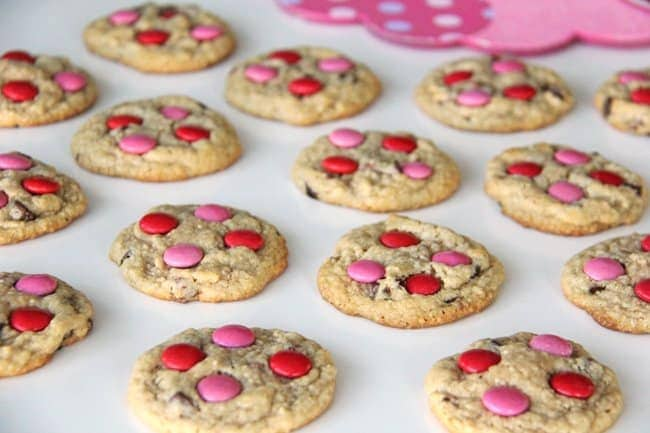 Valentines Day Chocolate Chip Cookies {A Pretty Life}