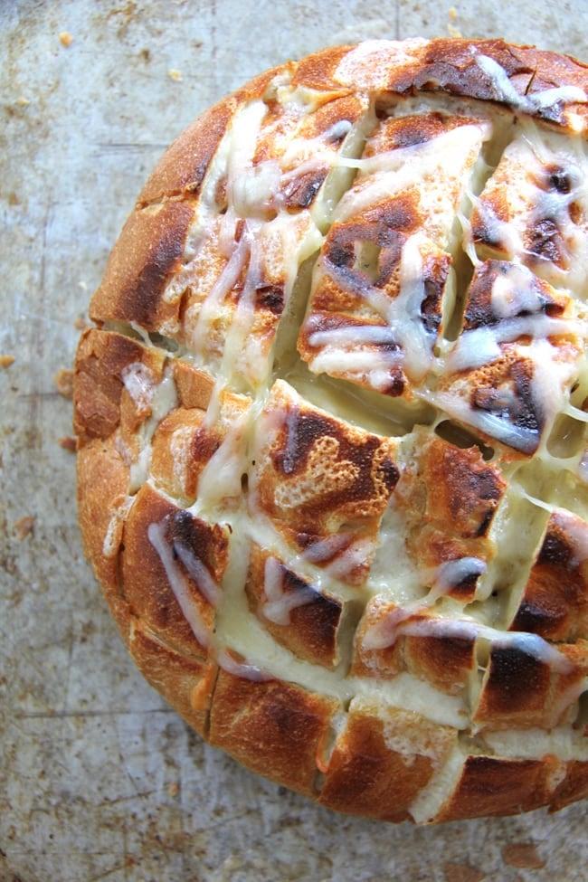 Cheesy Pull Apart Garlic Bread {A Pretty Life}