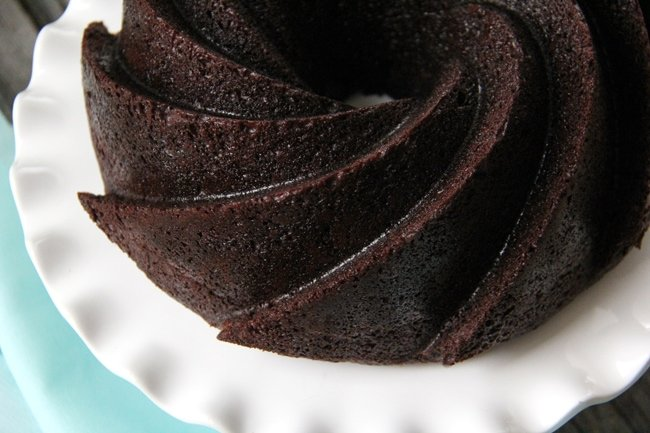 Chocolate Bundt Cake {A Pretty Life}