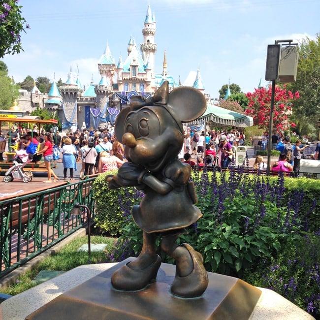 Tips for Visiting Disneyland, California 5