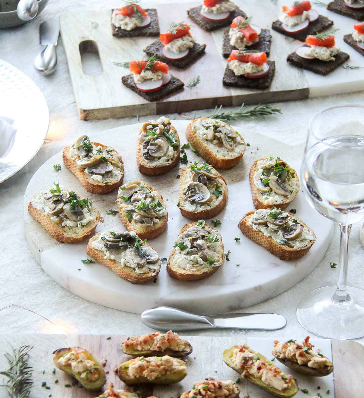 Easy & Elegant Holiday Appetizers {A Pretty Life}