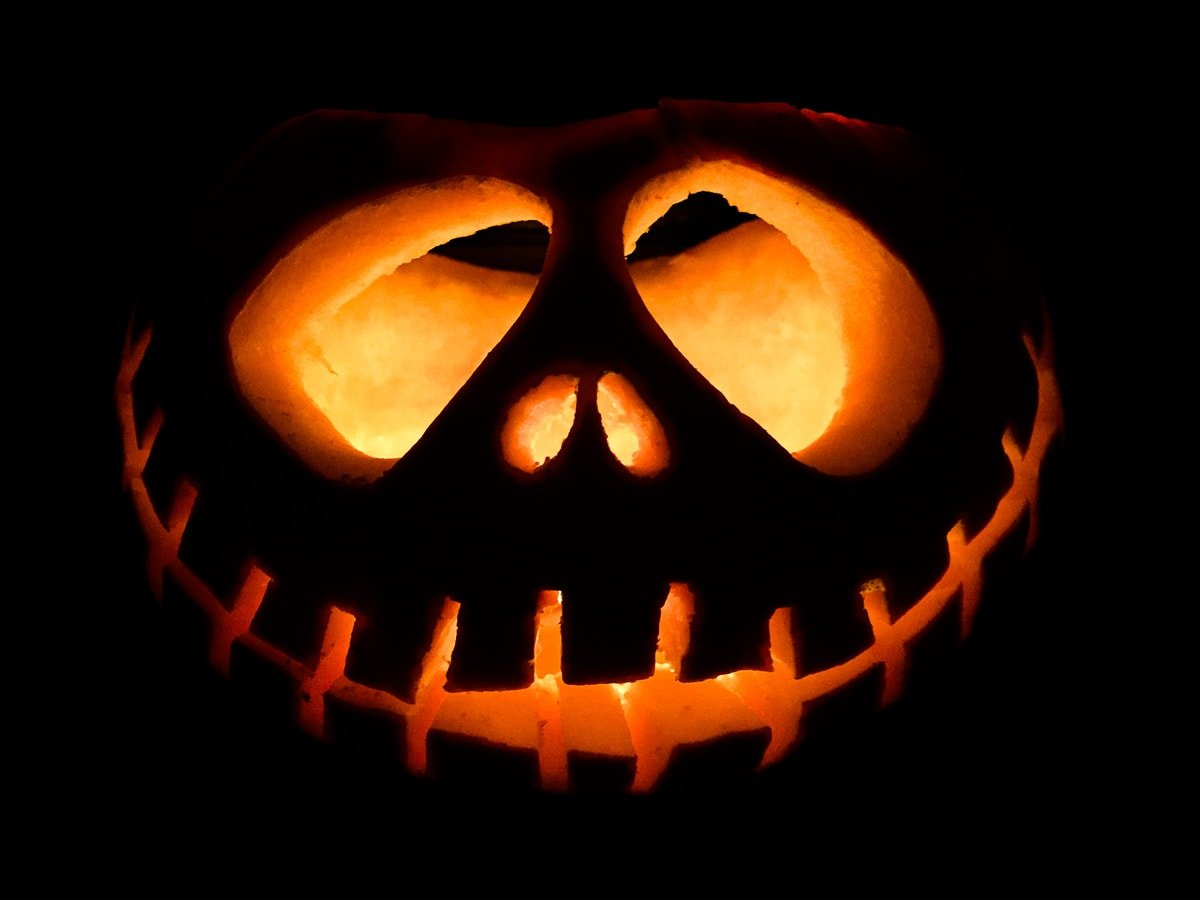 A glowing Halloween pumpkin
