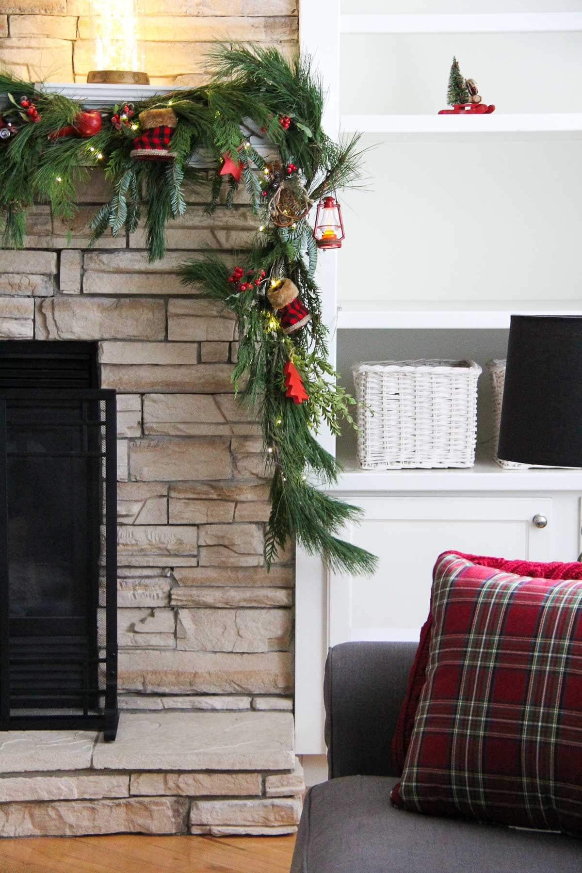 Make a Festive Christmas Mantel Swag!
