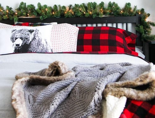 cozy-and-warm-christmas-bedroom-f