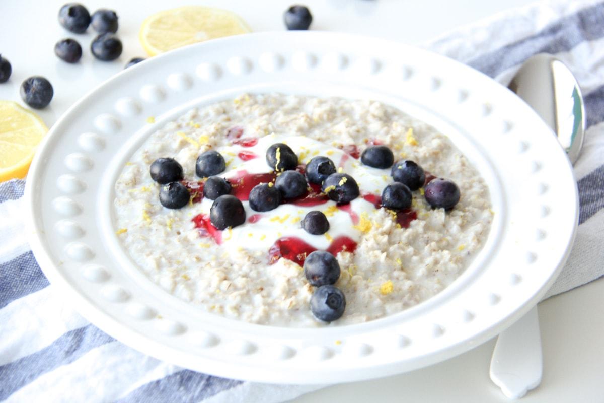 5 Minute Lemon Blueberry Oatmeal