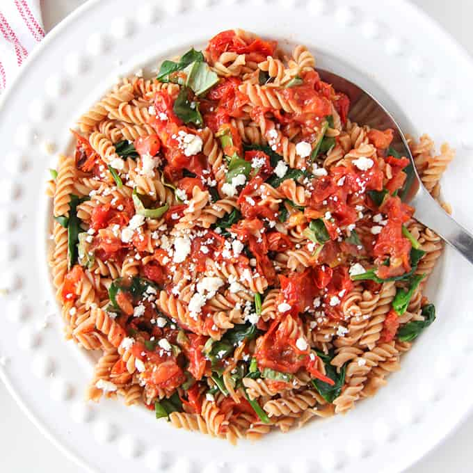 roasted-tomato-pasta-dinner-f