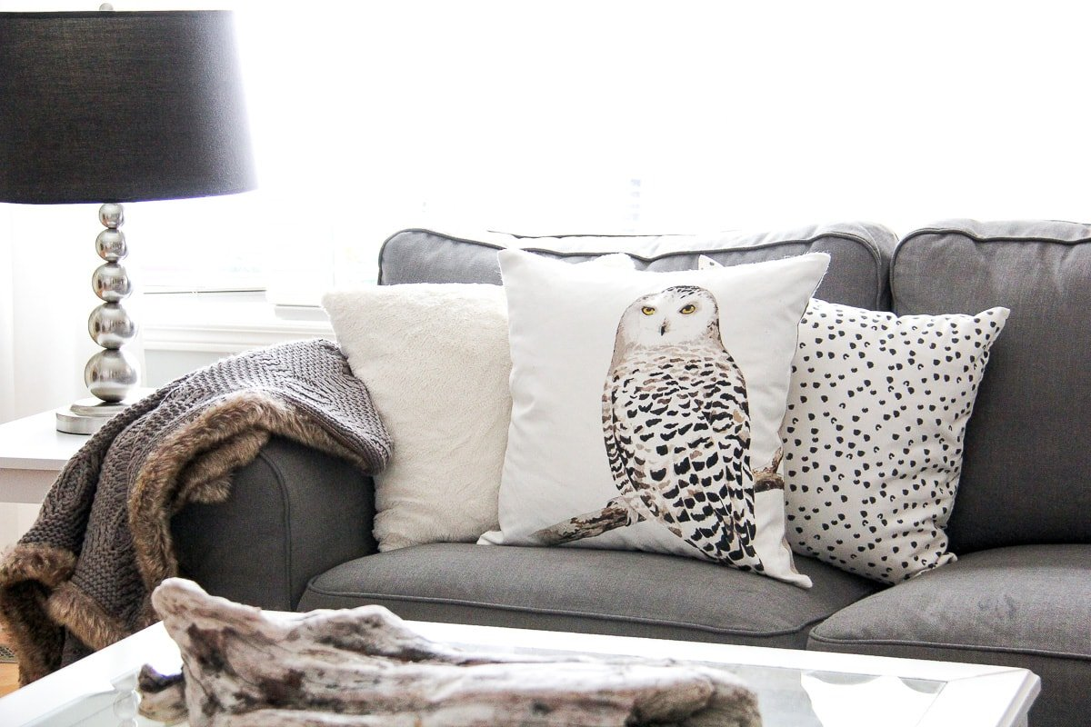 Winter Living Room Decorating