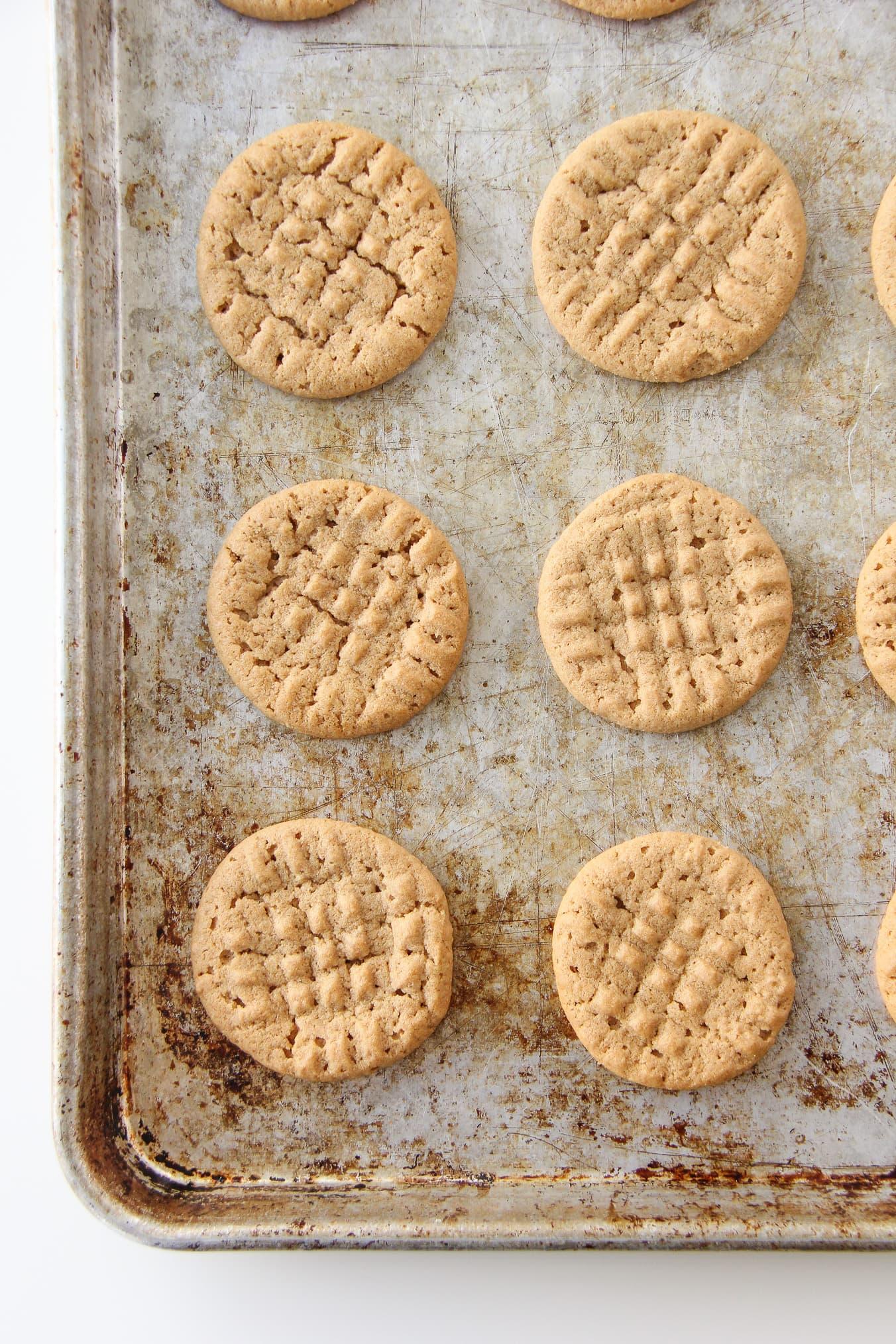 Grandma's Flourless Peanut Butter Cookies