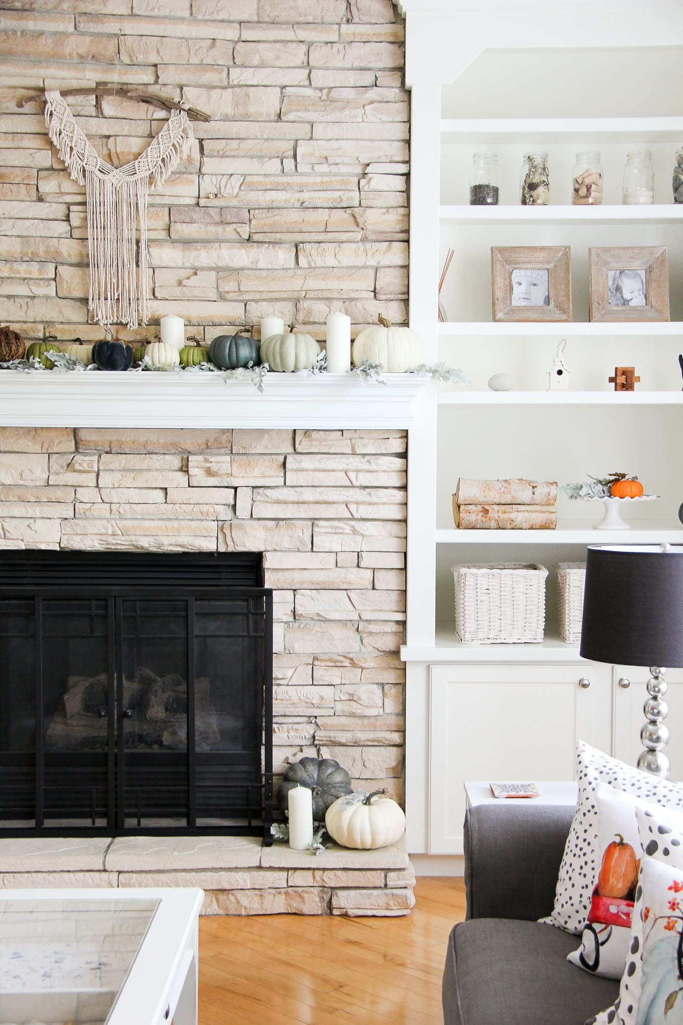 Neutral Fall Mantel