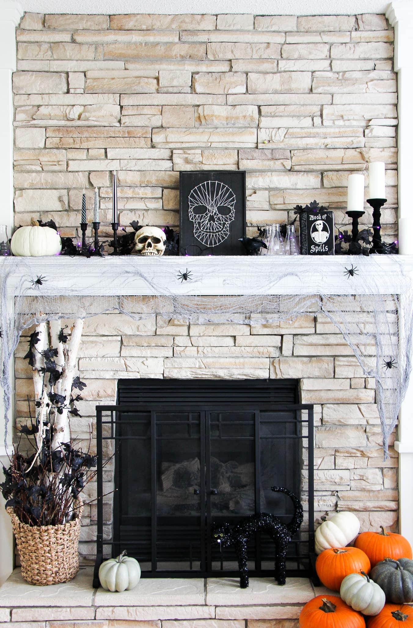 Halloween Decorating Ideas: Halloween Mantel