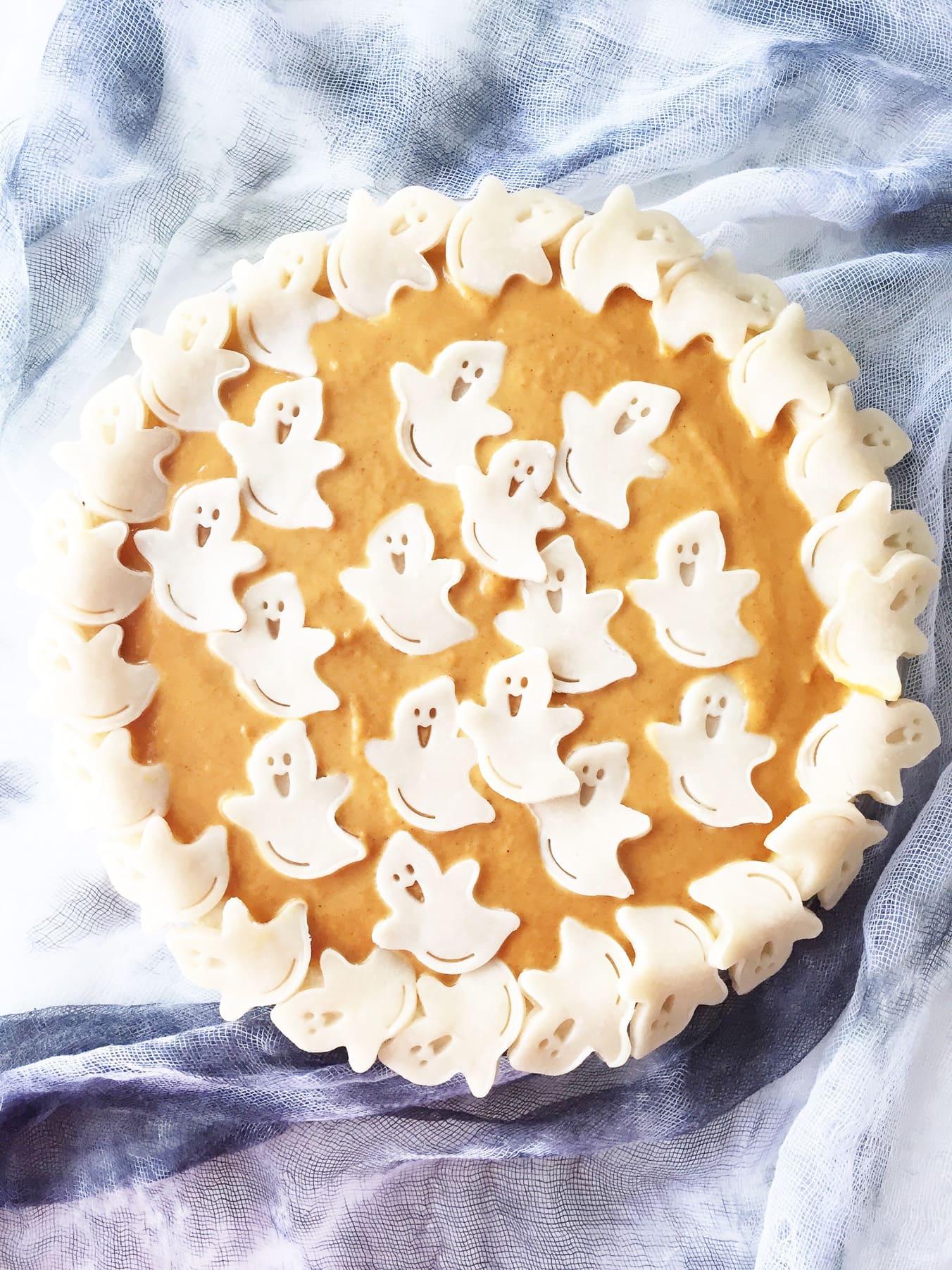 Halloween Ghost Pumpkin Pie