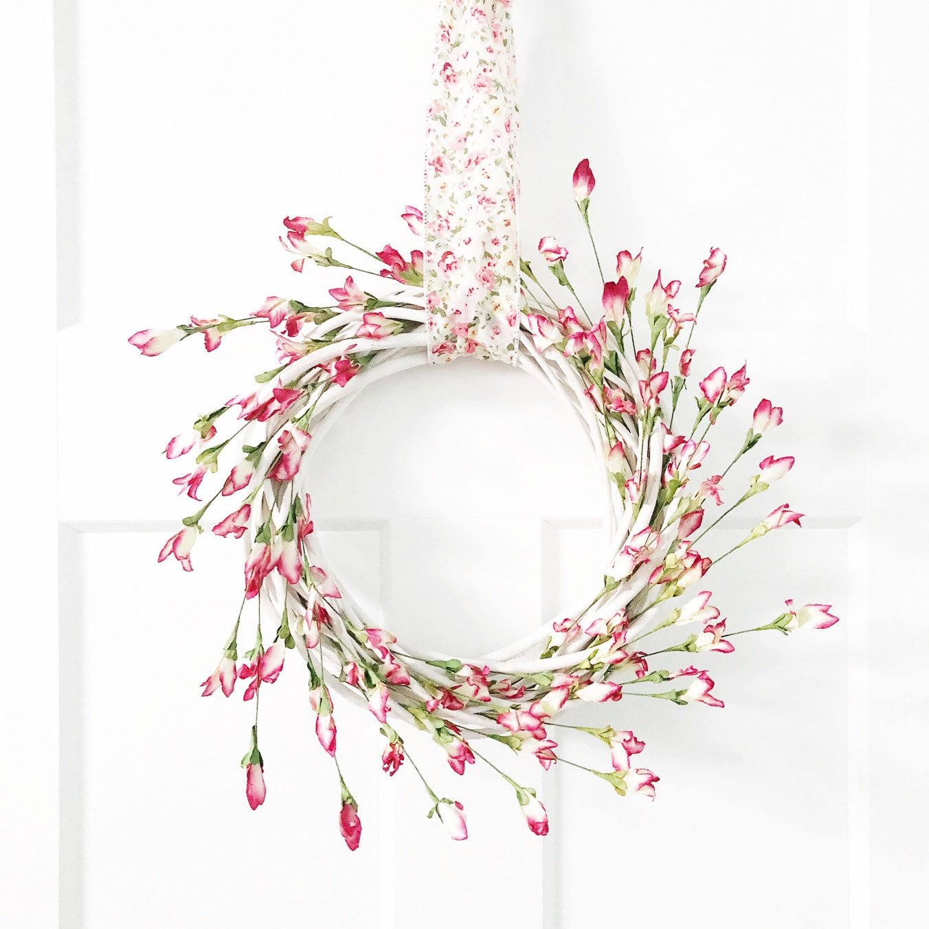Simple and Pretty Spring Wreath