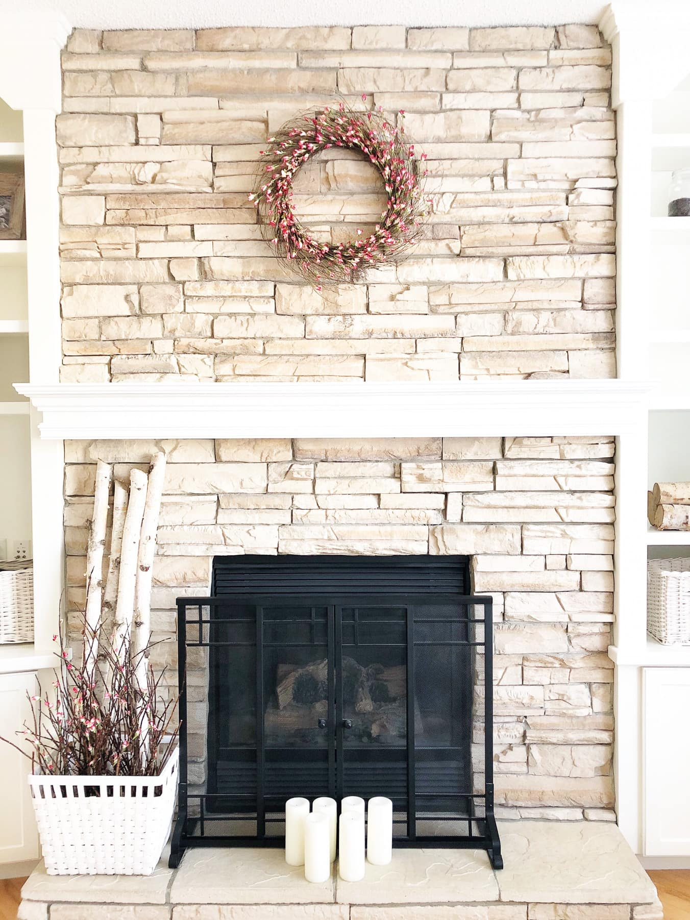 Simple Spring Mantel and Living Room