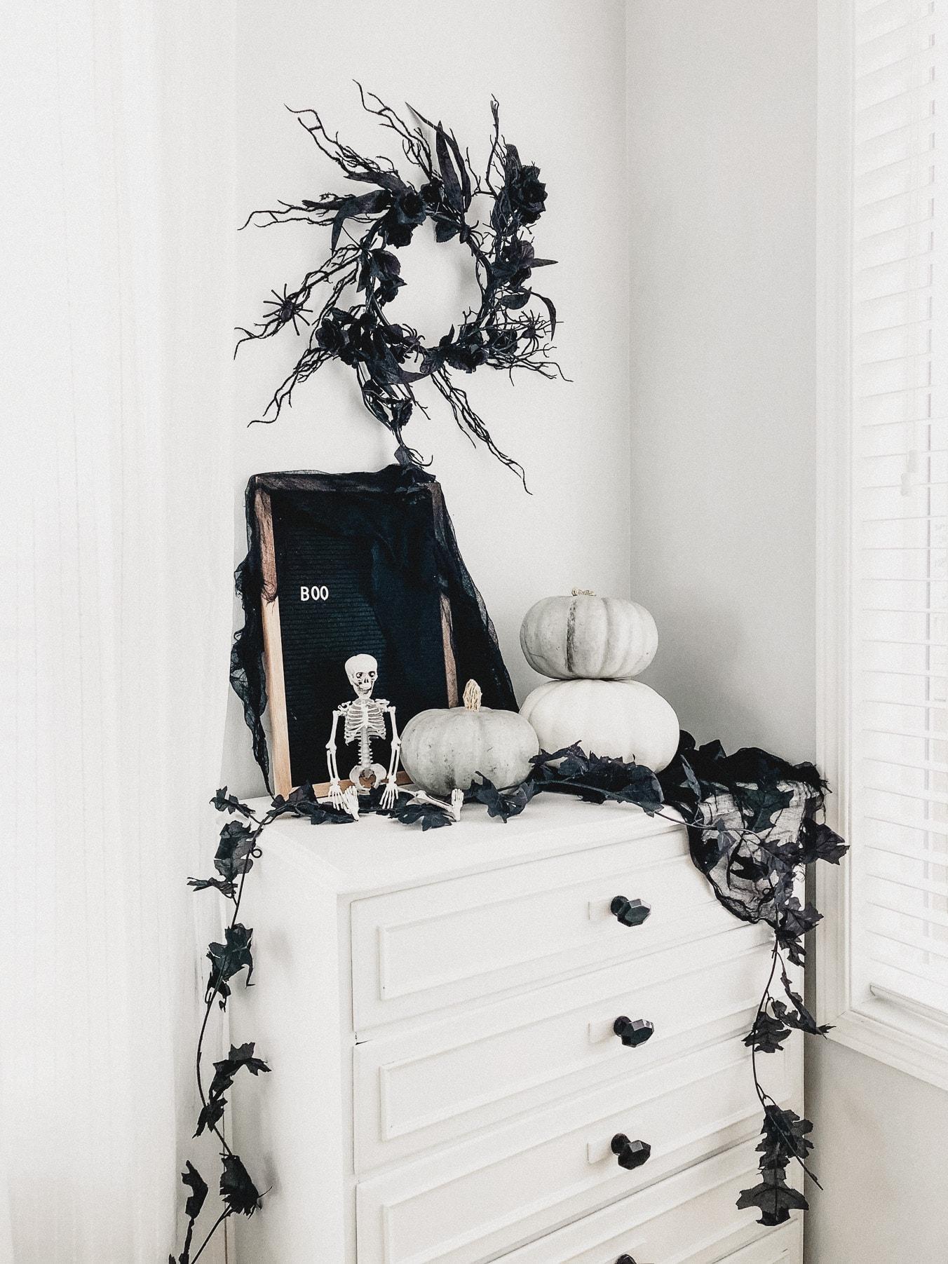 Spooky Wispy Halloween Wreath