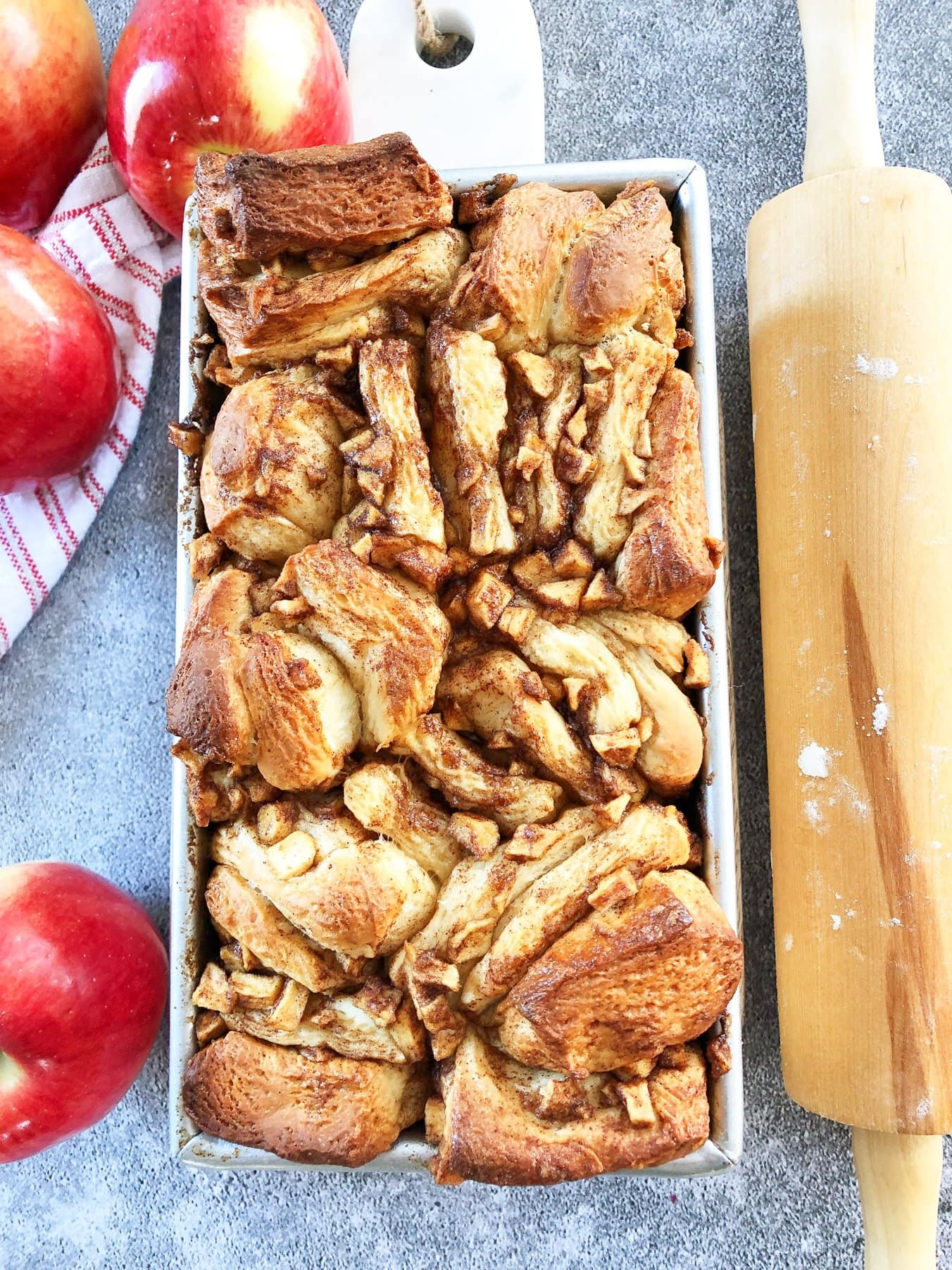 Cinnamon Apple Pull-Apart Bread